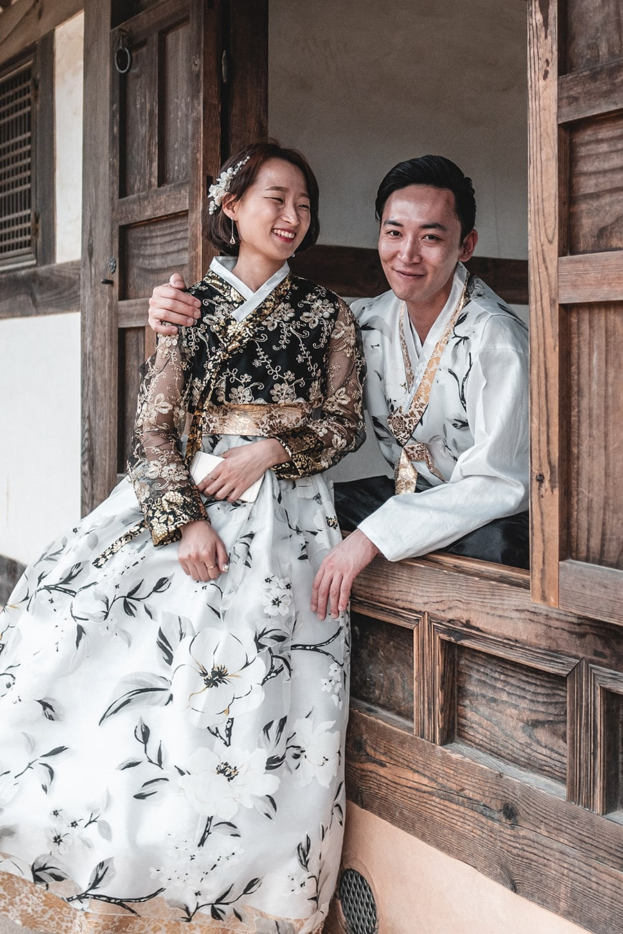 A Korean couple dressed in tradioinal clothing in Jeonju, Korea.