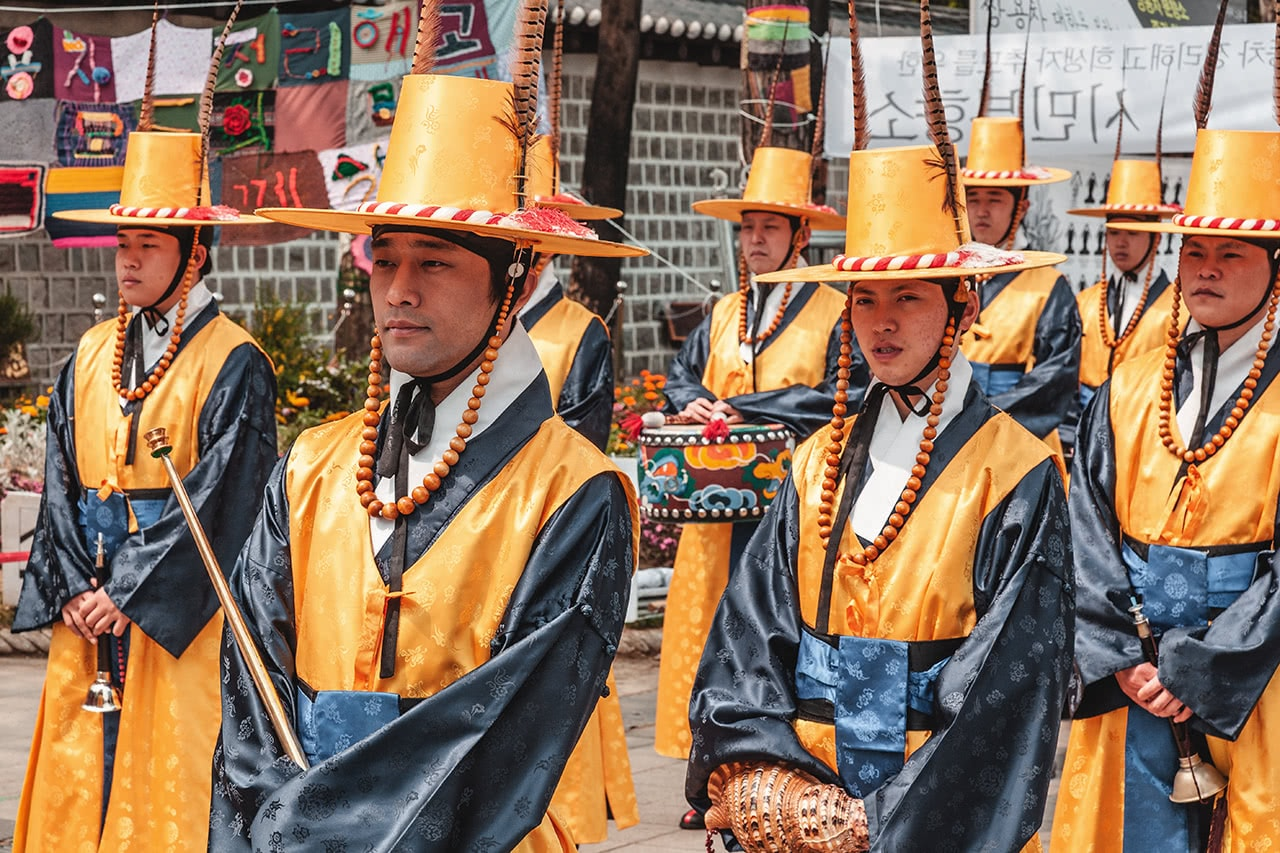 Changing of the guard ceremony at Deoksugung Place in Seoul, Korea.