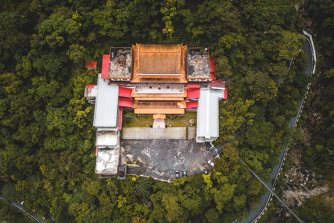 Drone photo of Hsiang-te temple in Taroko Gorge.