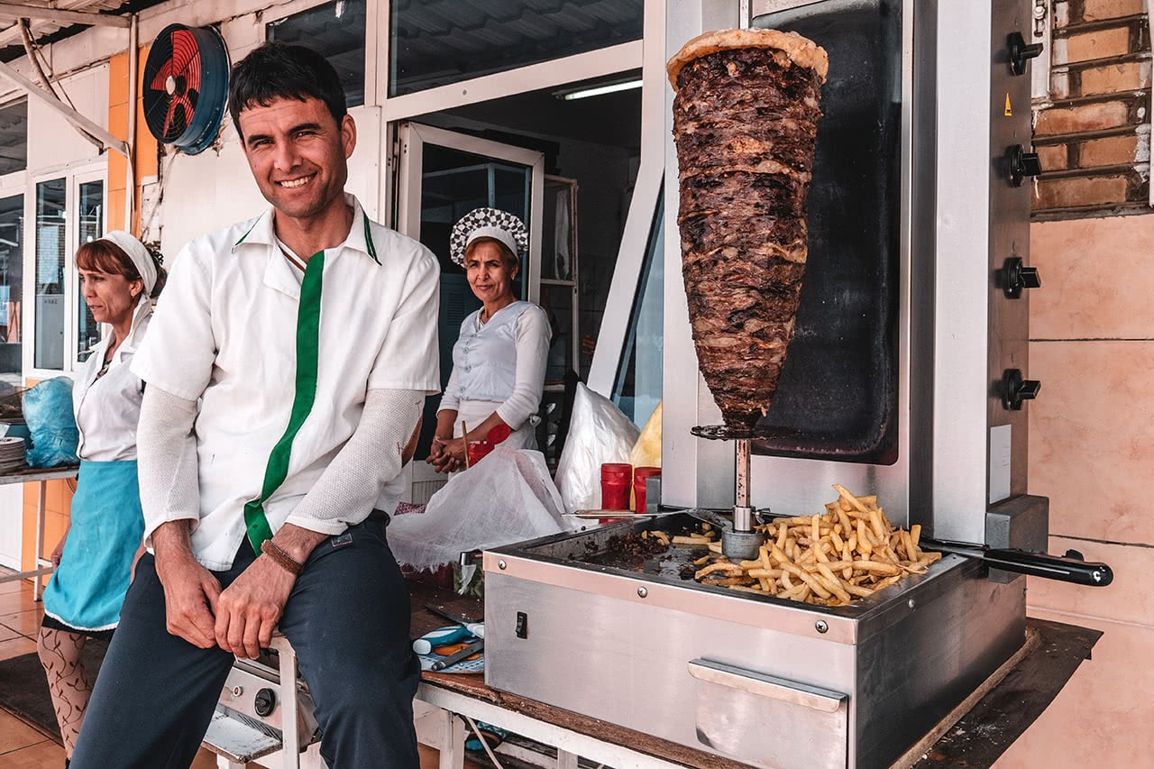 Kabab vendor in Turkmenbashi