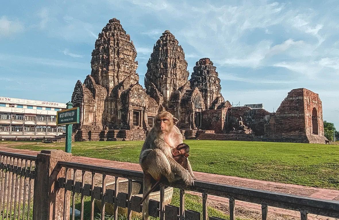 Lopburi_16 (Phra Prang Sam Yot)